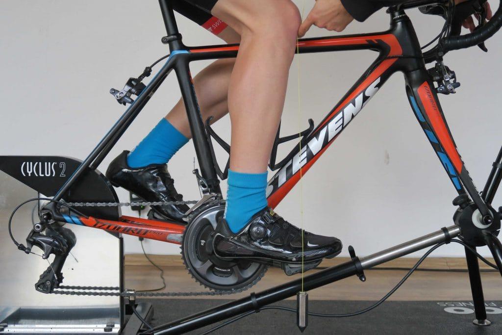 Einstellen der Rennrad Sitzposition mit Knielot