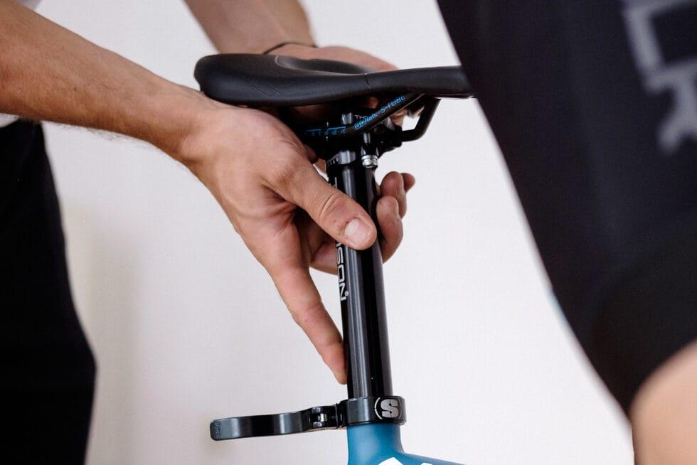 Satteleinstellung bei Knieschmerzen während des Radfahrens